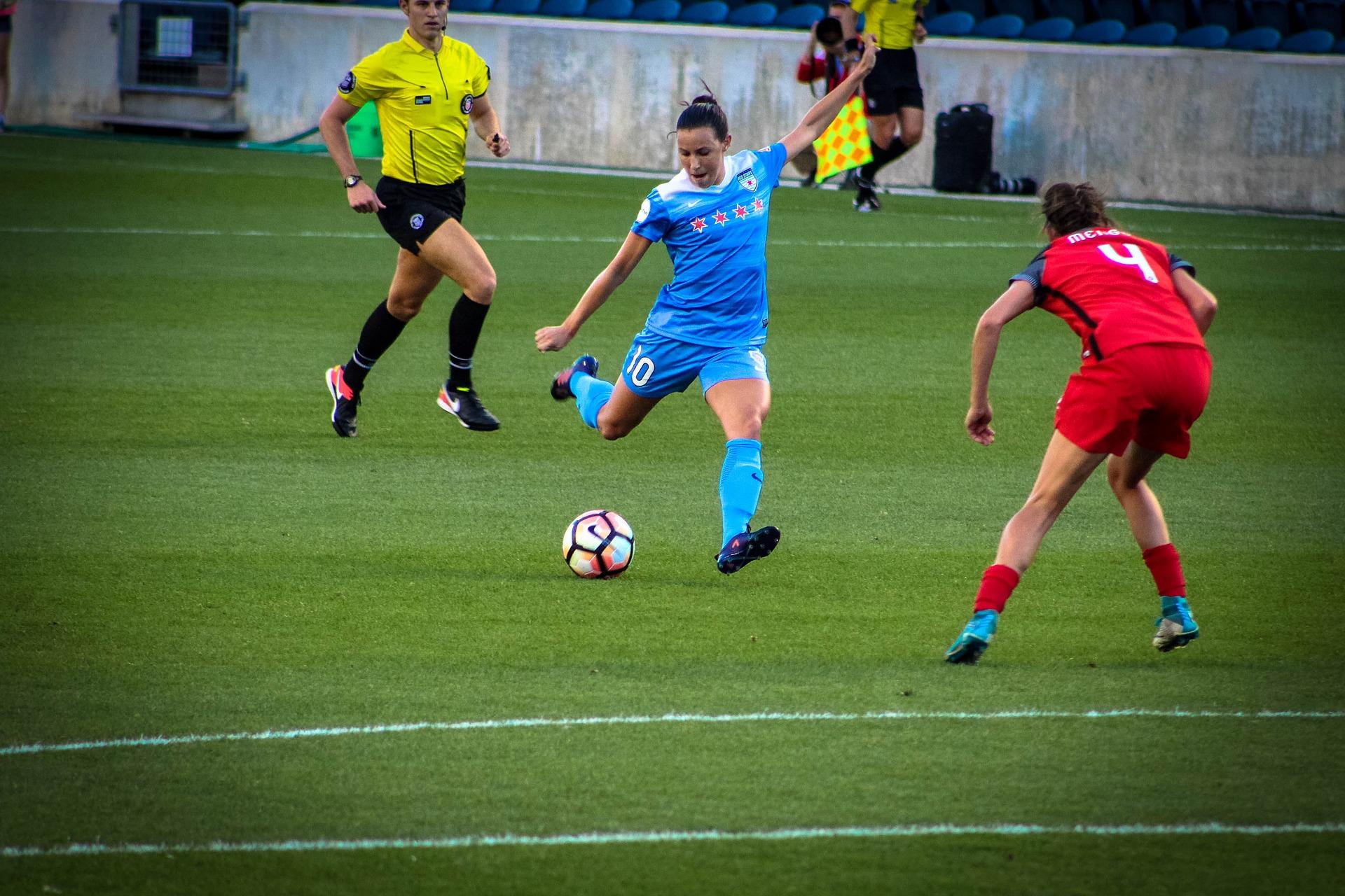 soccer-3311817_1920